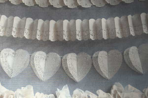 Royal-Lace-Garlands-diy